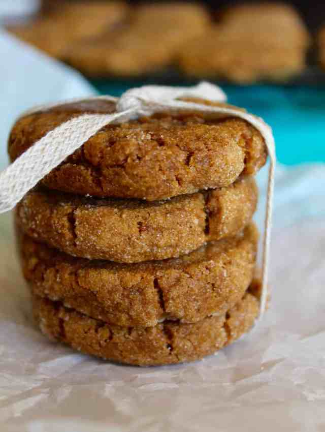 Vegan Pumpkin Ginger Molasses Cookies // pumpkin & peanut butter
