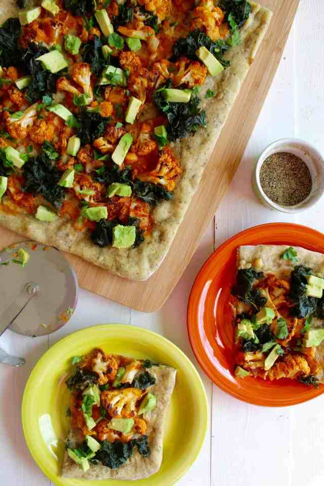 Buffalo Cauliflower Pizza with White Garlic Sauce {vegan} // pumpkin & peanut butter