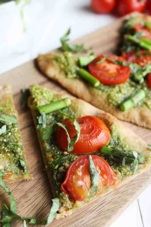 Pesto Naan Pizza with Roasted Tomatoes & Asparagus ...