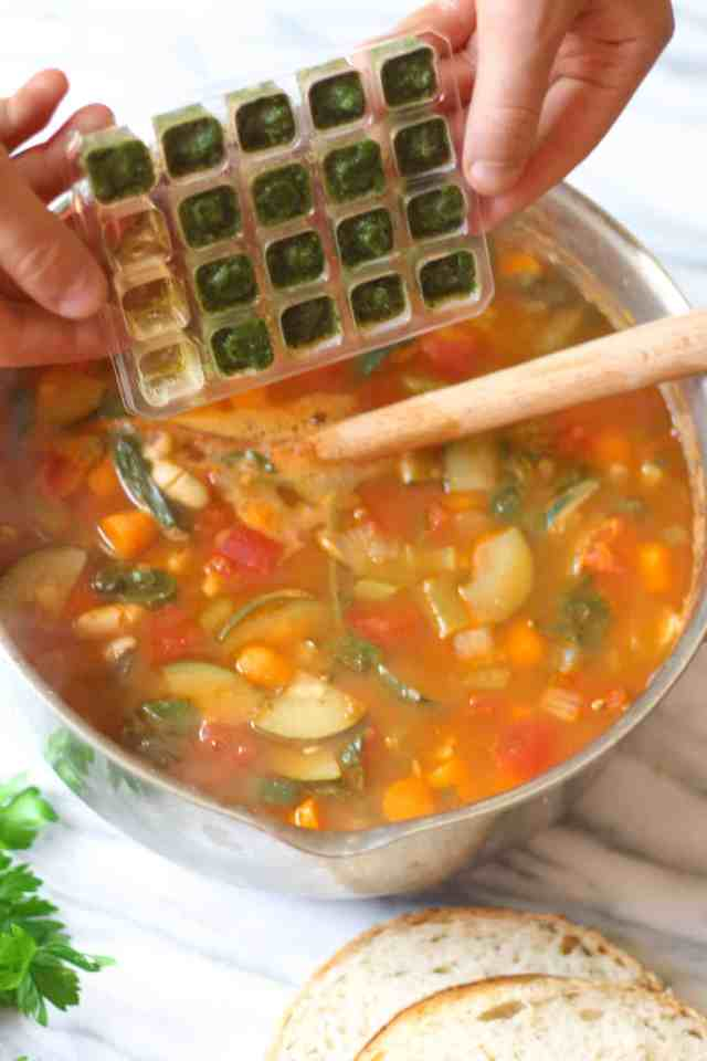 Tuscan Vegetable Pasta Soup {vegan, gluten free option} // pumpkinandpeanutbutter.com