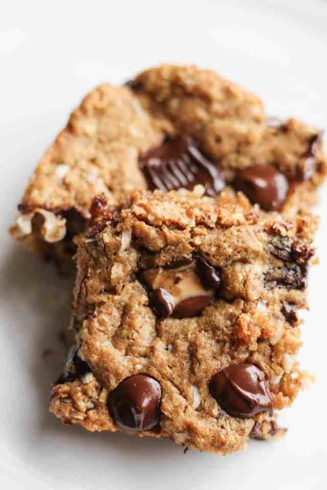 Peanut Butter Lover's Monster Cookie Bars {lightened up, vegan option} // pumpkinandpeanutbutter.com