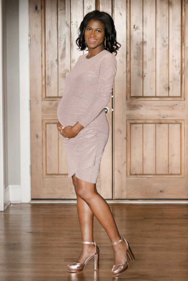 Valentine's Day Maternity Outfit Ideas!