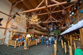 Great Wolf Lodge Niagara Falls Lobby