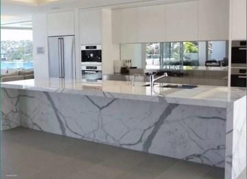 Piastrelle Moderne Per Cucina | Cucina Moderna Bianca Con Isola E ...