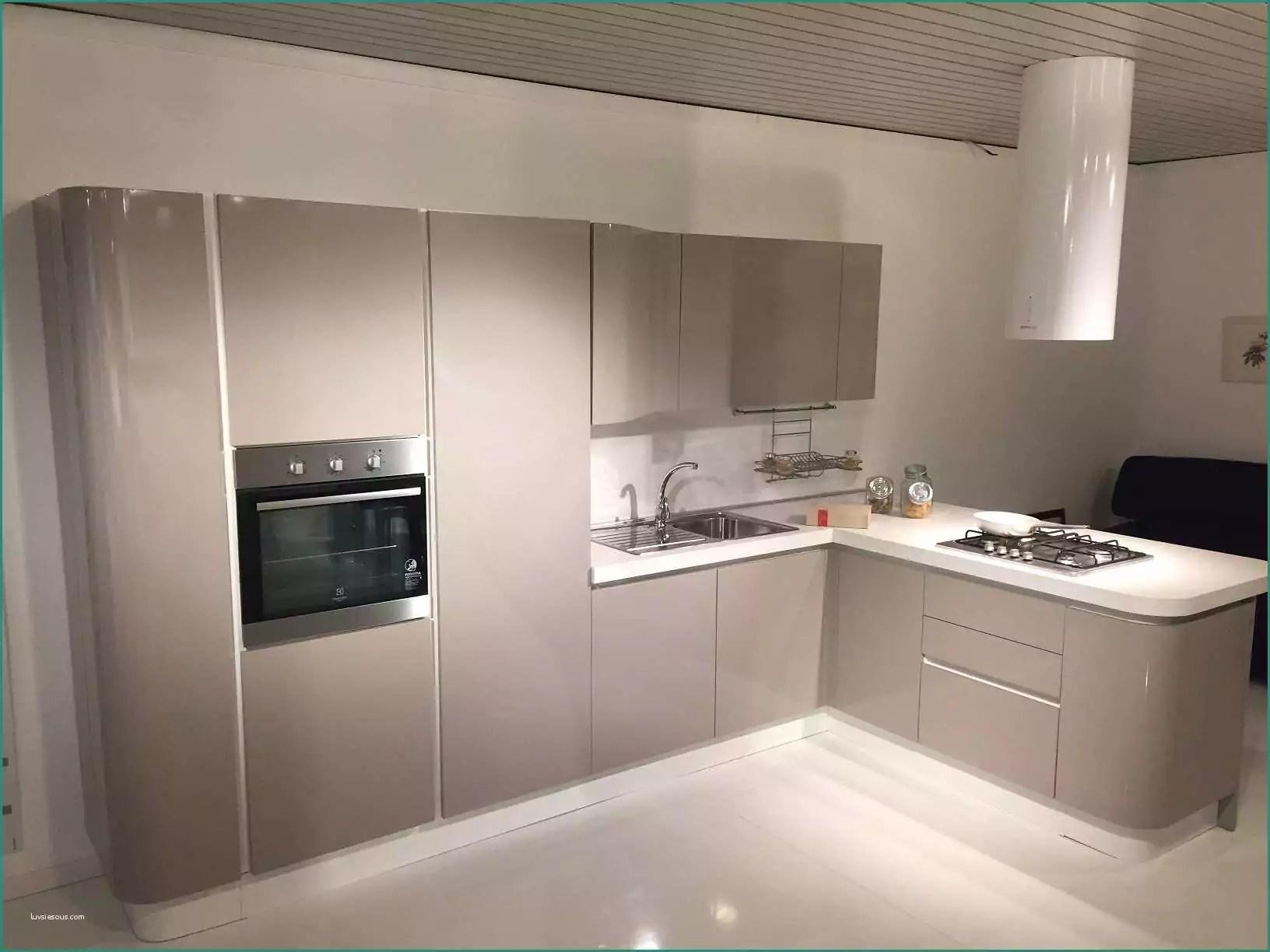 Cucine Varenna Opinioni E Cucine Line Outlet Home Design