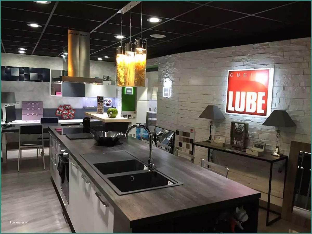 Outlet Cucine Lube E Emejing Cucine Di Marca Contemporary
