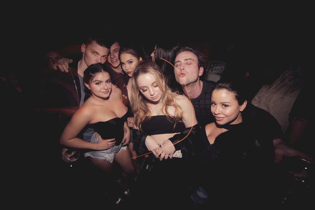 ariel-winter-and-mckayla-maroney-at-a-party-nip-slip