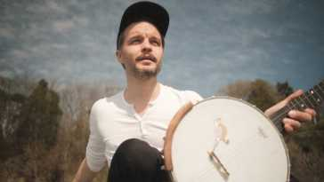 The Tallest Man on Earth – Live from the Finger Lakes featuring Courtney Marie Andrews
