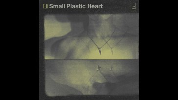 Elder Island – Small Plastic Heart