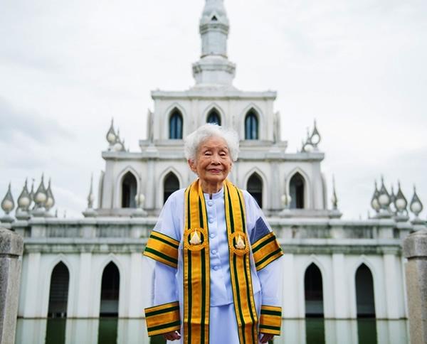 91-year-old Kimlun Jinakul