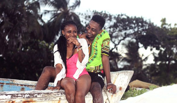 ladies! check out top 10 signs a nigerian man wants to marry you LADIES! CHECK OUT TOP 10 SIGNS A NIGERIAN MAN WANTS TO MARRY YOU boat couple