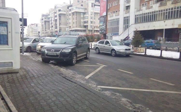 Primăria lucrează la regulamentul de ridicare a mașinilor care parchează neregulamentar
