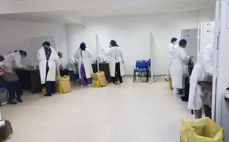 Peste 7000 de craioveni programați la centrul de vaccinare de la Polivalentă