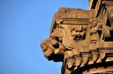 Pillar Lifting Gandharvas