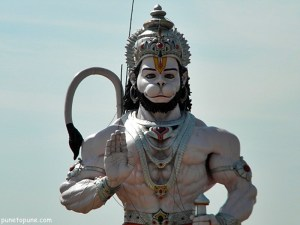 A mighty Hanuman statue on Jammu highway