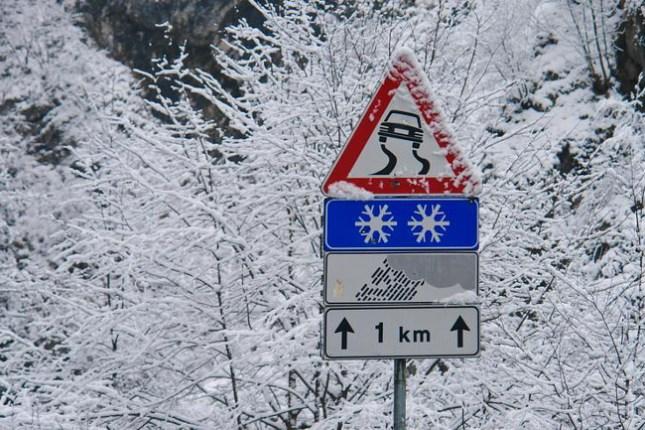 neve-ghiaccio-strada650