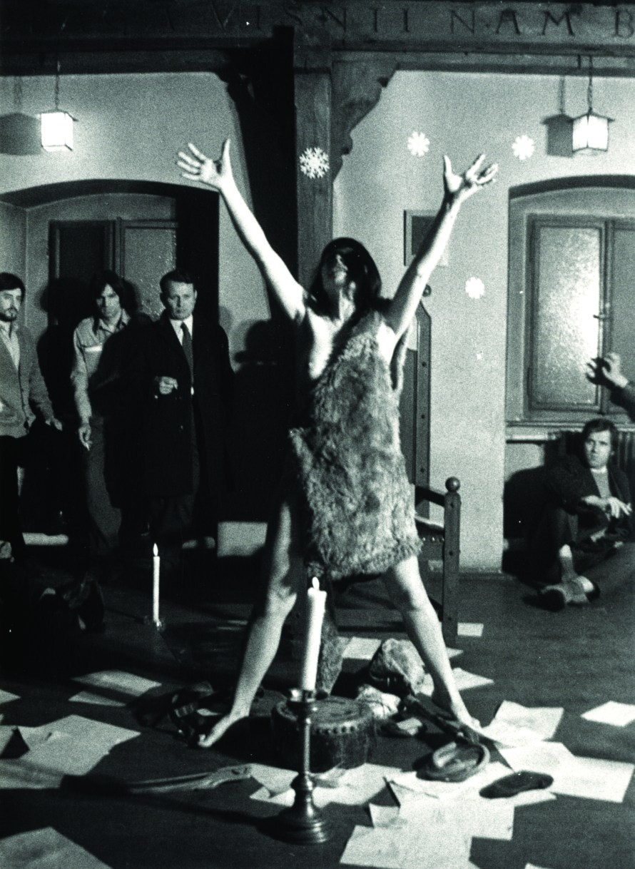 Ladik Katalin: Shaman Poem, performance at GEFF 69, 1970, bw photograph © Marinko Sudac Collection
