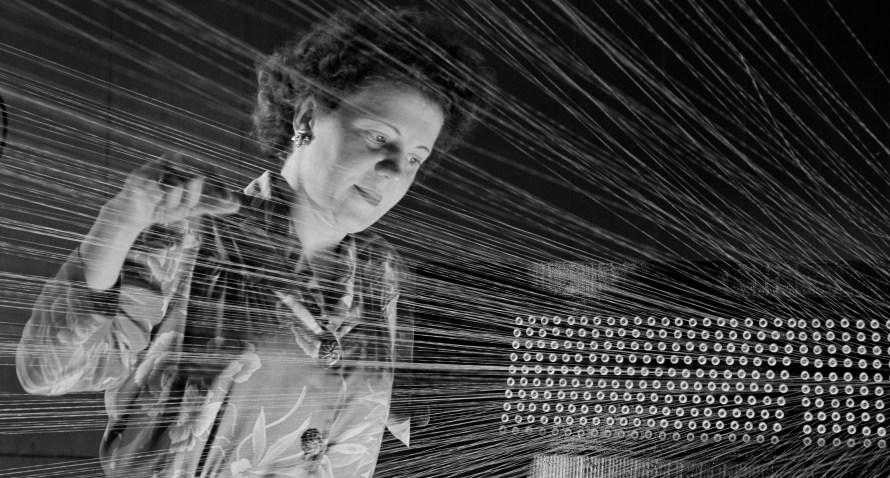 André Kertész: American Viscose Corporation, Marcus Hook, Pennsylvania, 1944 © Donation André Kertész, Ministère de la Culture (France), Médiathèque de l'architecture et du patrimoine, diffusion RMN-GP