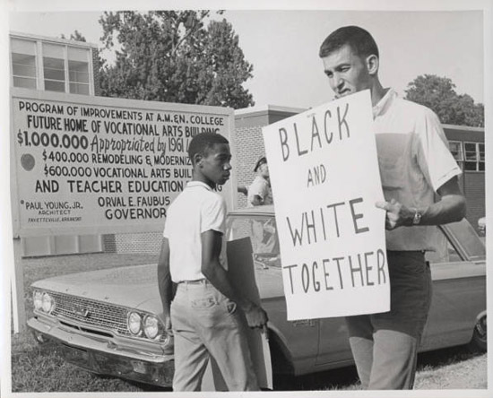 Civil Rights Protest at Arkansas AM&N College. William Hansen on the protest line at Arkansas AM&N College Civil Rights demonstration, Pine Bluff. Forrás: theseamericans.com
