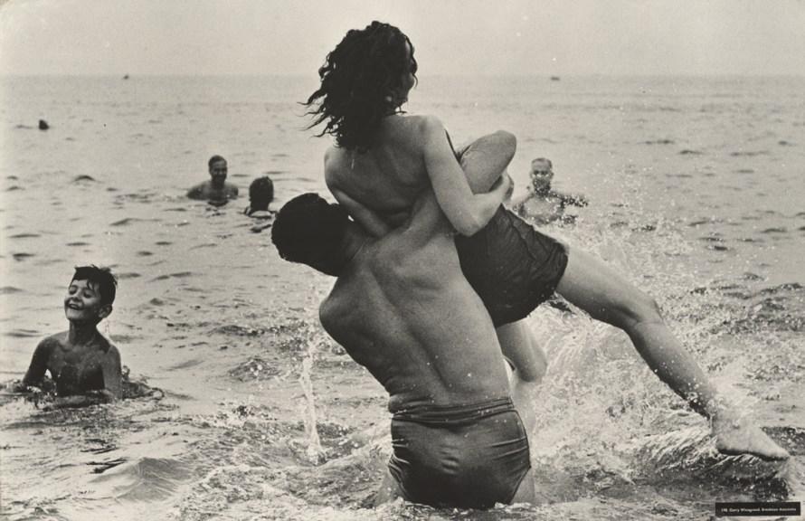 Coney Island, New York 1952 © Garry Winogrand, courtesy Fraenkel Gallery, San Francisco