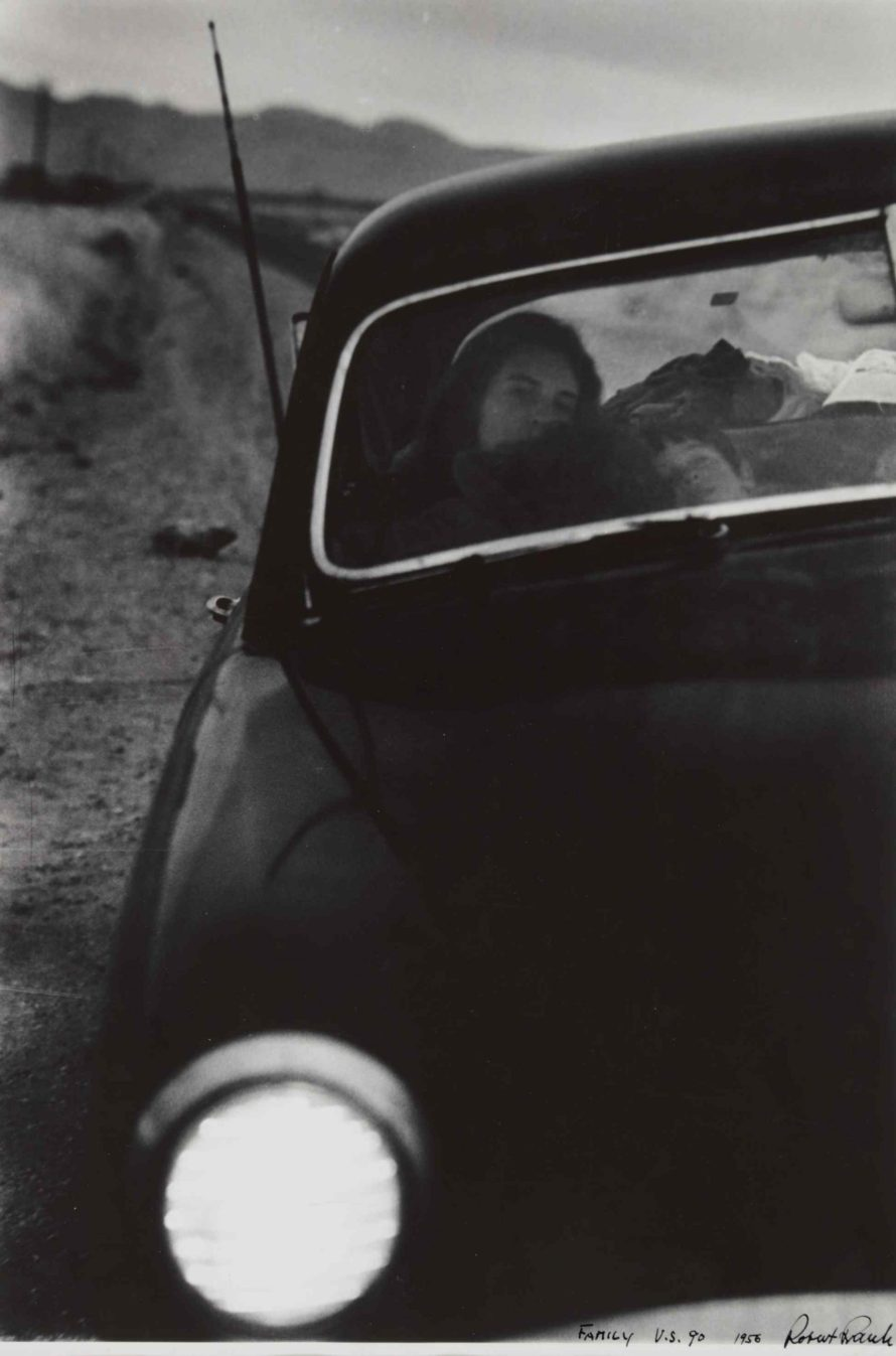 Fotó: <b>Robert Frank</b>:<br> <i>US 90, En Route to Del Rio, Texas</i><br> Courtesy of Sotheby's<br>