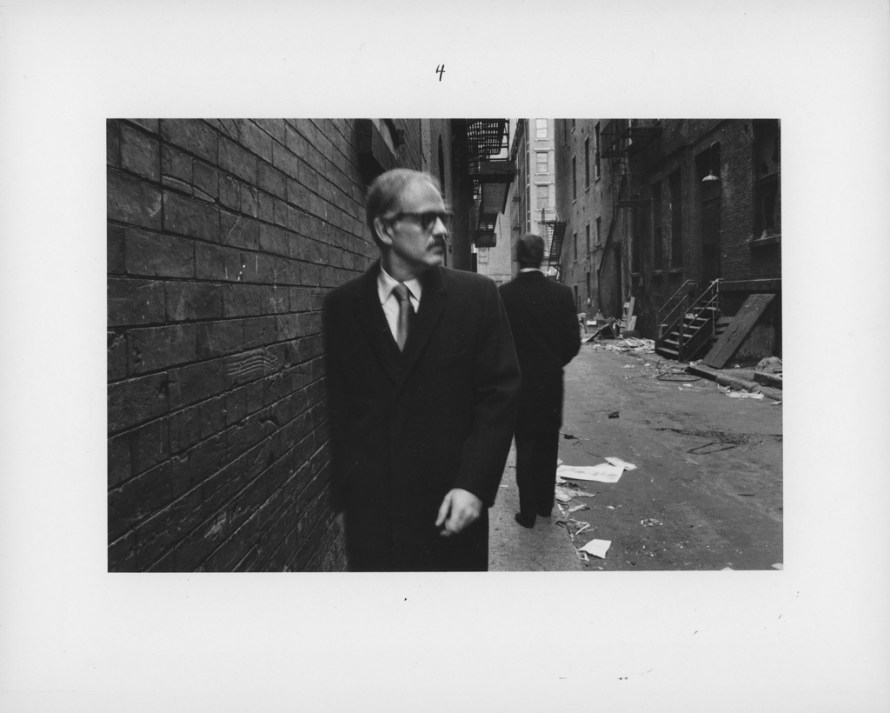 Fotó: <b>Duane Michals</b>: Chance Meeting, 1970<br> © Duane Michals. Courtesy of DC Moore Gallery, New York