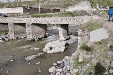 Walter Aduviri dispone atención inmediata de puente que está a punto de caerse