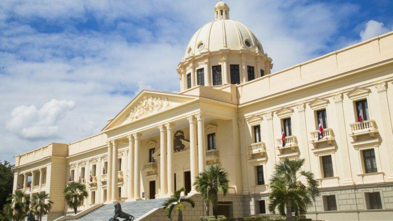Gobierno dominicano extiende por 15 días el toque de queda y cierre de  fronteras • Online Punta Cana Bavaro