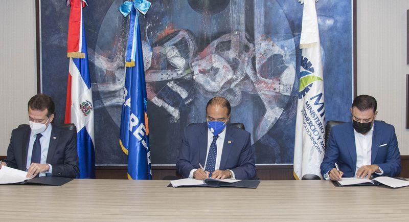 Fiduciaria Reservas y MICM firman acuerdo para administrar Fondo CONFIE •  Online Punta Cana Bavaro