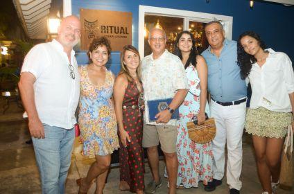 GuillermoMarin,MiriamHernandez,CarolinaPujols,JohnMontaz,PatriciaNuñez,LuisLeeBallesteryMariaAmeliaLee