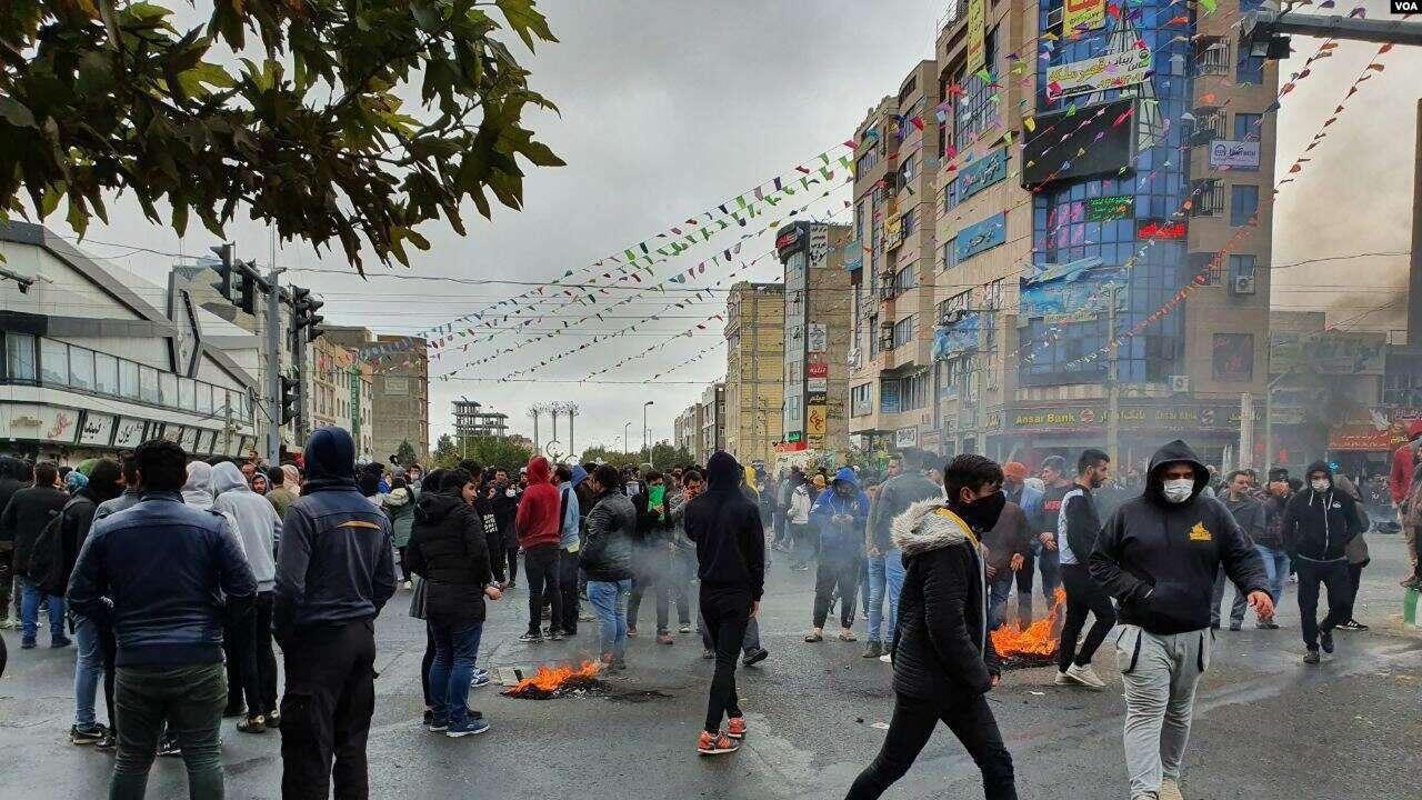 Amnesty oo shaacisay in ciidamada dowladda Iran ay dileen in ka badan 100 qof oo rayid ah
