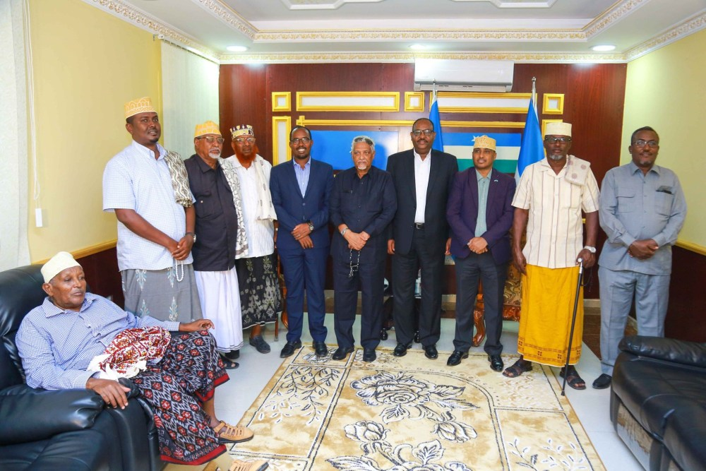 TRADITIONAL LEADERS RESOLVE CONSTITUTIONAL CRISIS IN PUNTLAND
