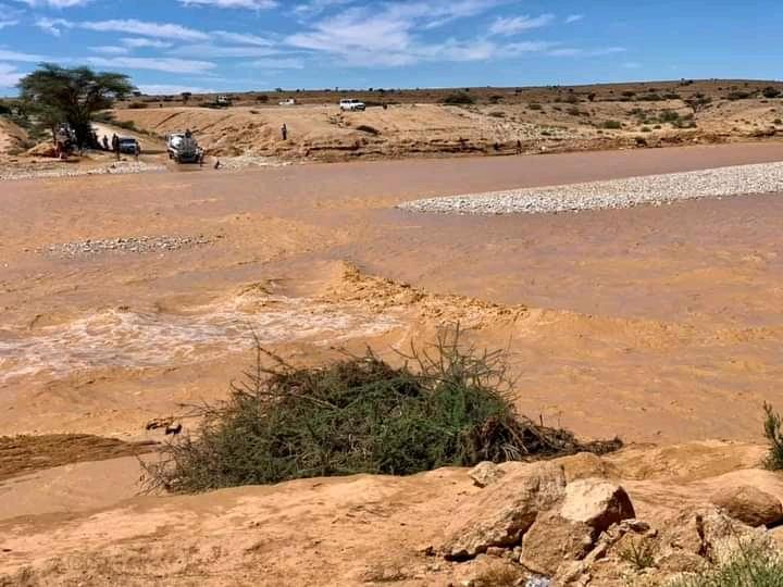 Torrential Rains Leave Lorries Stranded at Ceel Daahir Watercourse