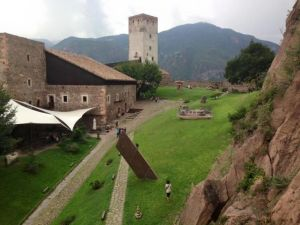 Giardino interno al Messner Mountain Museum