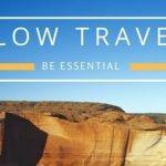 viaggiare in modo slow per la slow travel. Scritta e foto montagna al tramonto