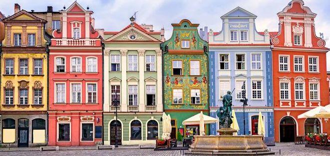 tipiche case colorate della polonia