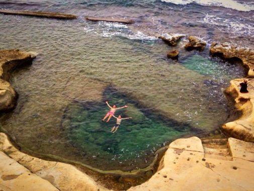 due che nuotano a sliema nella top 10 di malta
