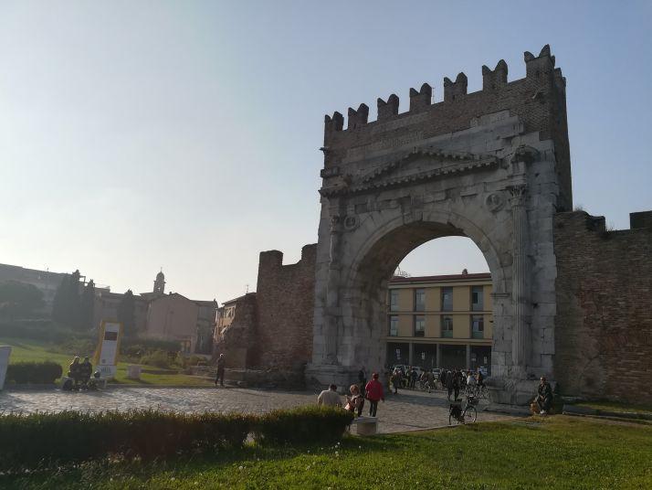 porta romana in centro a rimini