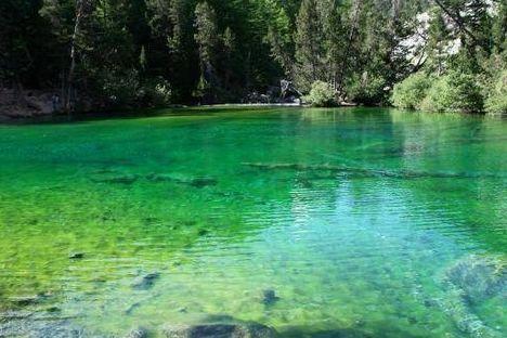 immagine del lago verde