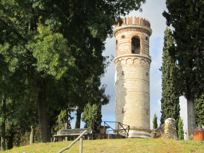 Torre Ezzelina nel col Bastia a Romano d'Ezzelino