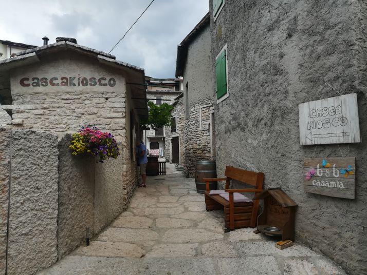 Veduta del bellissimo borgo di Molina
