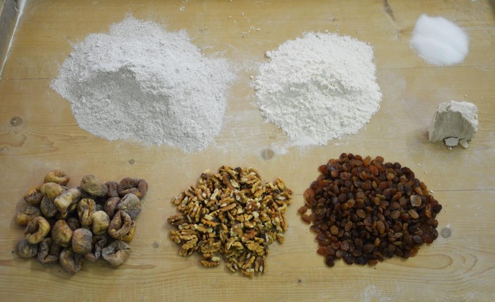 ingredienti per la preparazione della Bisciola