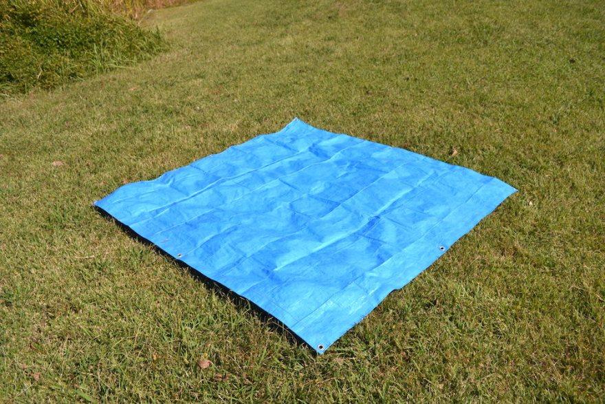 テントの貼り方(グランドシート)の写真