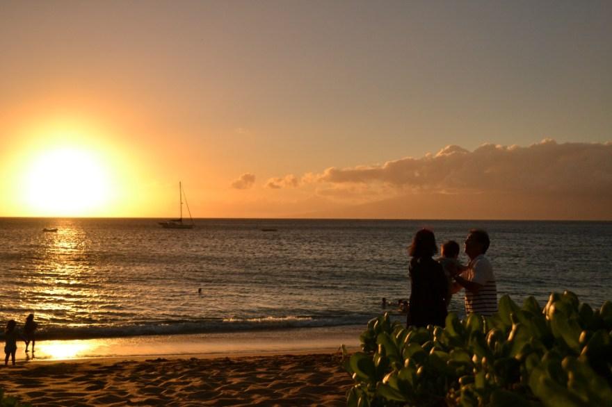 マウイ島のビーチサンセットの写真