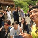 北海道礼文島桃岩荘のスタッフ・宿泊客と一緒に一枚