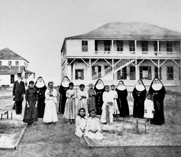 Situasi di salah satu Panti asuhan di Hawaii pada tahun 1886