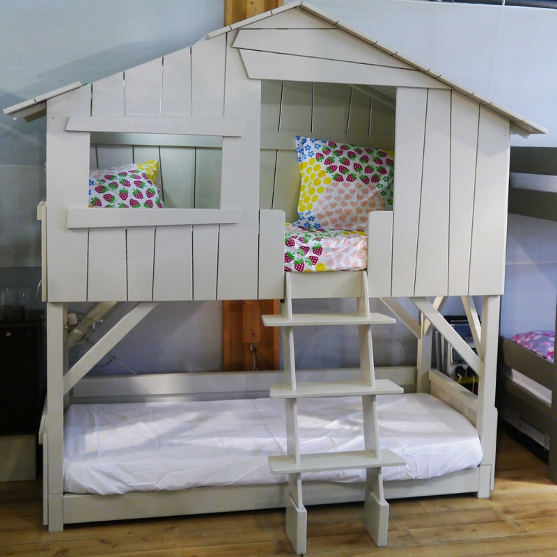 Lit cabane simple ou superpos en bois pour chambre denfants Mathy by bols chez Pure Deco