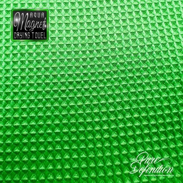 aqua-magnet-upclose-square-fabric