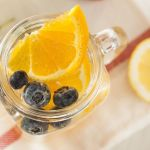 Detox water sinaasappel bosbes - Pure & Liquid Bottl
