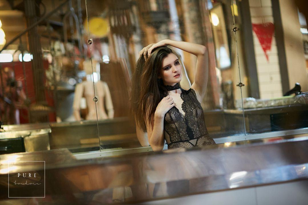 classy, sensual and elegant chicago boudoir